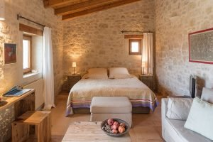 discover-the-hotel-kapsaliana-village-e